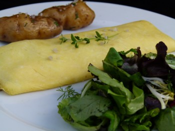 truffled omelet with mushrooms and green salad