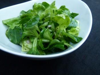 fresh mâche tarragon salad