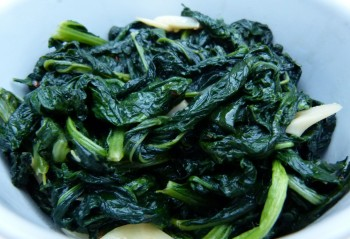spicy sautéed kale and broccoli rabe