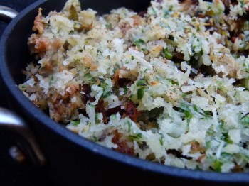 Brussels sprouts, bacon and leek gratin
