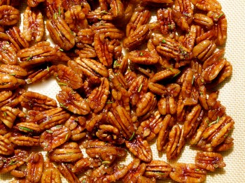 spiced rosemary pecans