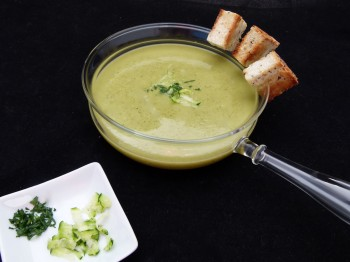 zucchini and sorrel velouté, simple soup by chef morgan