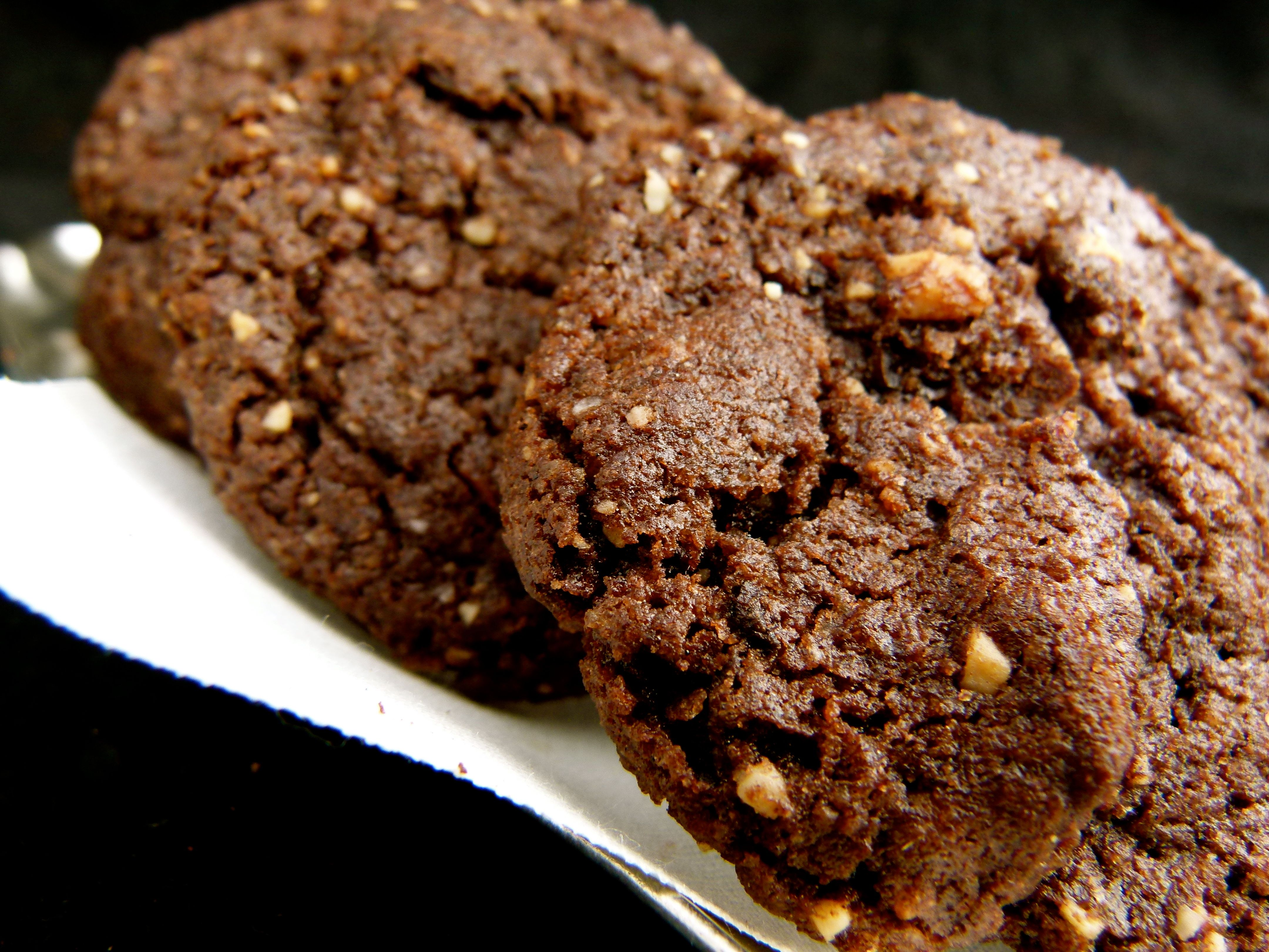 crunchy chocolate and espresso almond cookies