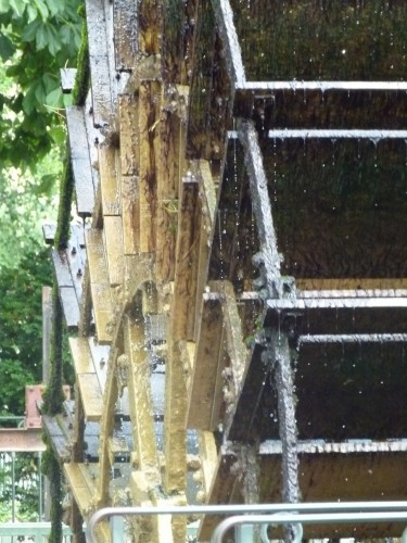 Sorgue river working water wheel