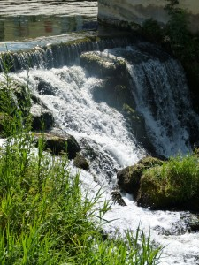 sorgue waterfall