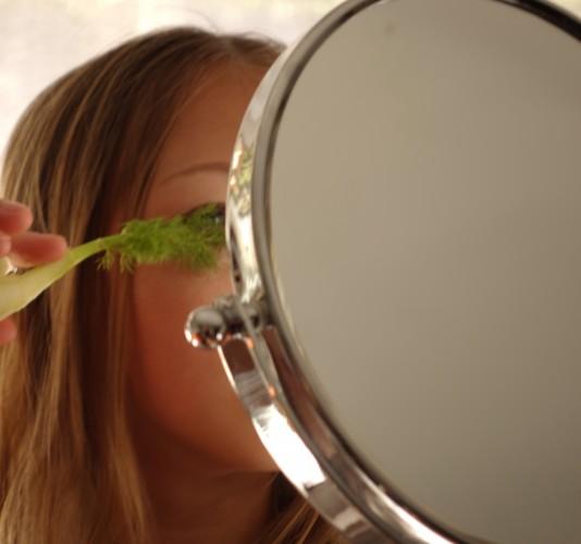 vegetable eye brush