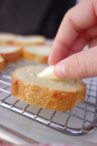 toasted French bread slices rubbed with fresh garlic
